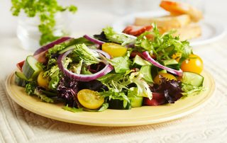 Consejos prácticos tras la exposición solar del verano ensaladas